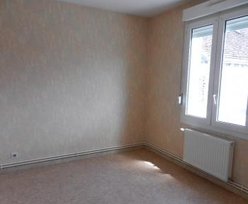 Location Appartement 2 pièces Contres (41700) - Centre ville
