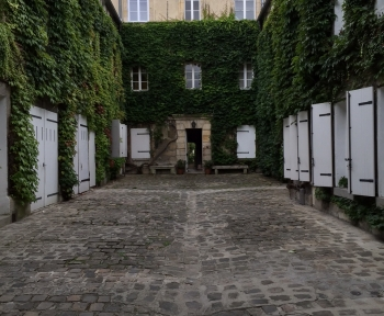 Location Appartement 3 pièces Chantilly (60500) - Centre ville rue du Connétable