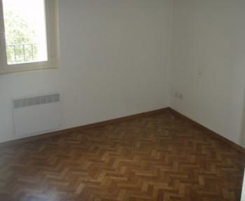 Location Appartement 3 pièces Lagnes (84800)
