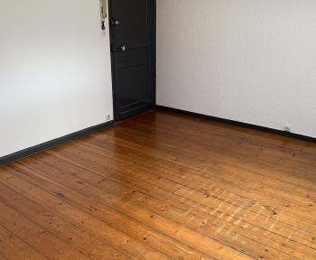 Location Studio  pièce La Madeleine (59110) - Avenue de la République