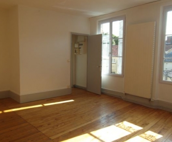 Location Appartement 4 pièces Sézanne (51120) - CENTRE VILLE